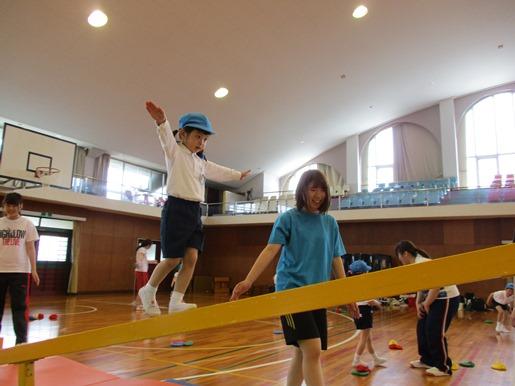 あやめ組・すずらん組の運動遊びがありました☆:画像1