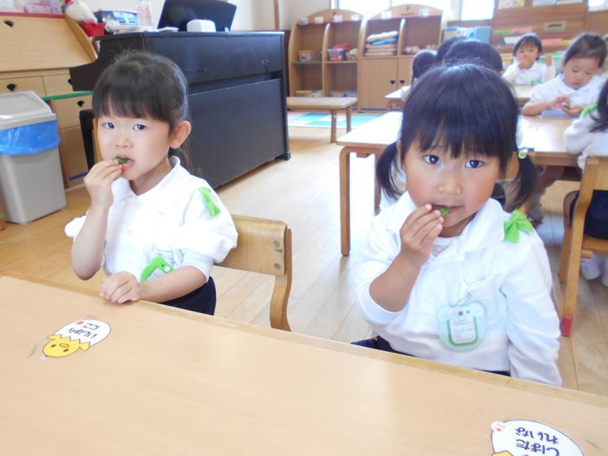 スナップエンドウを食べました☆ ~年少~:画像3