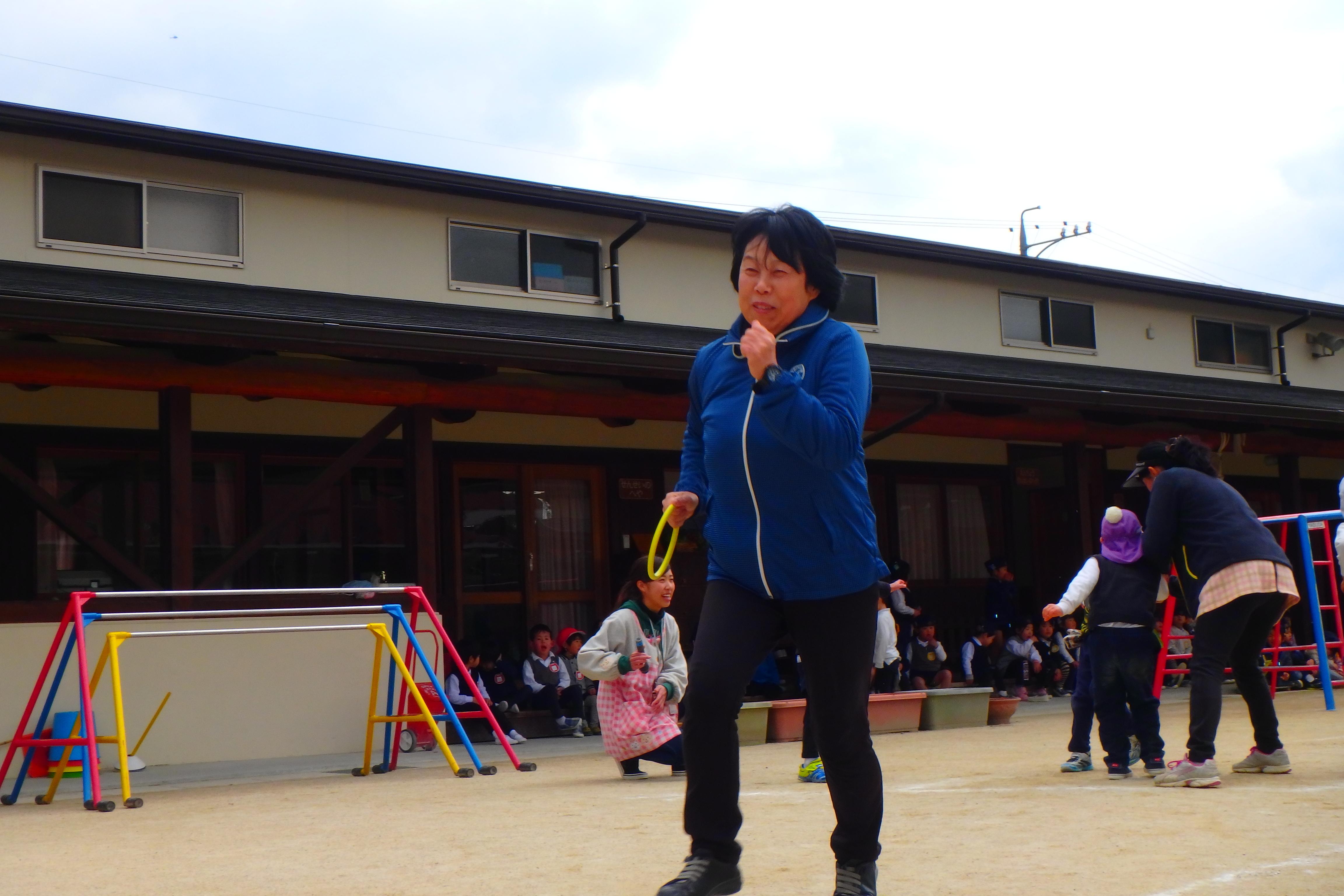先生たちとリレー大会!!(年長):画像4