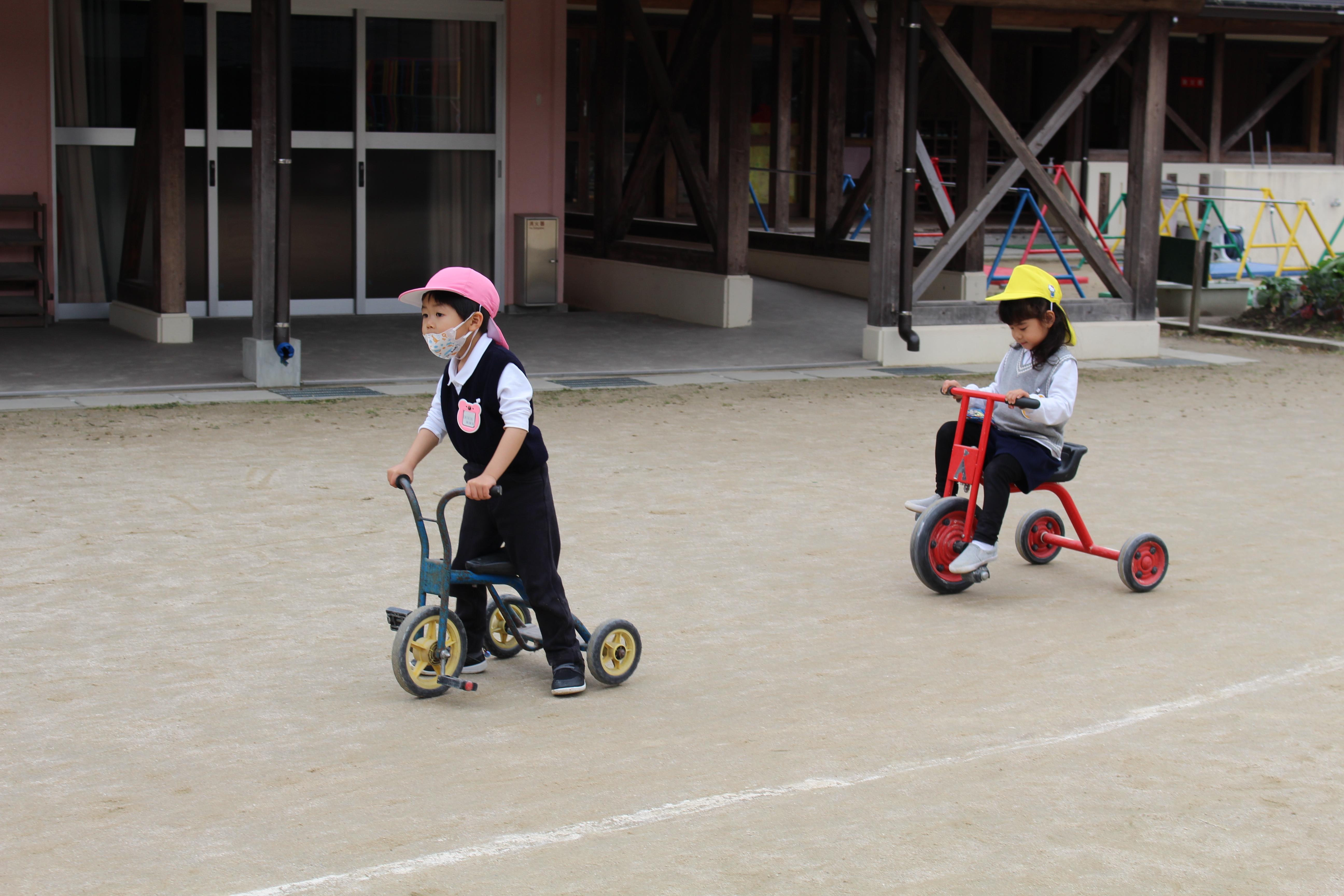◇年少◇三輪車、スクーターで遊んだよ!:画像4
