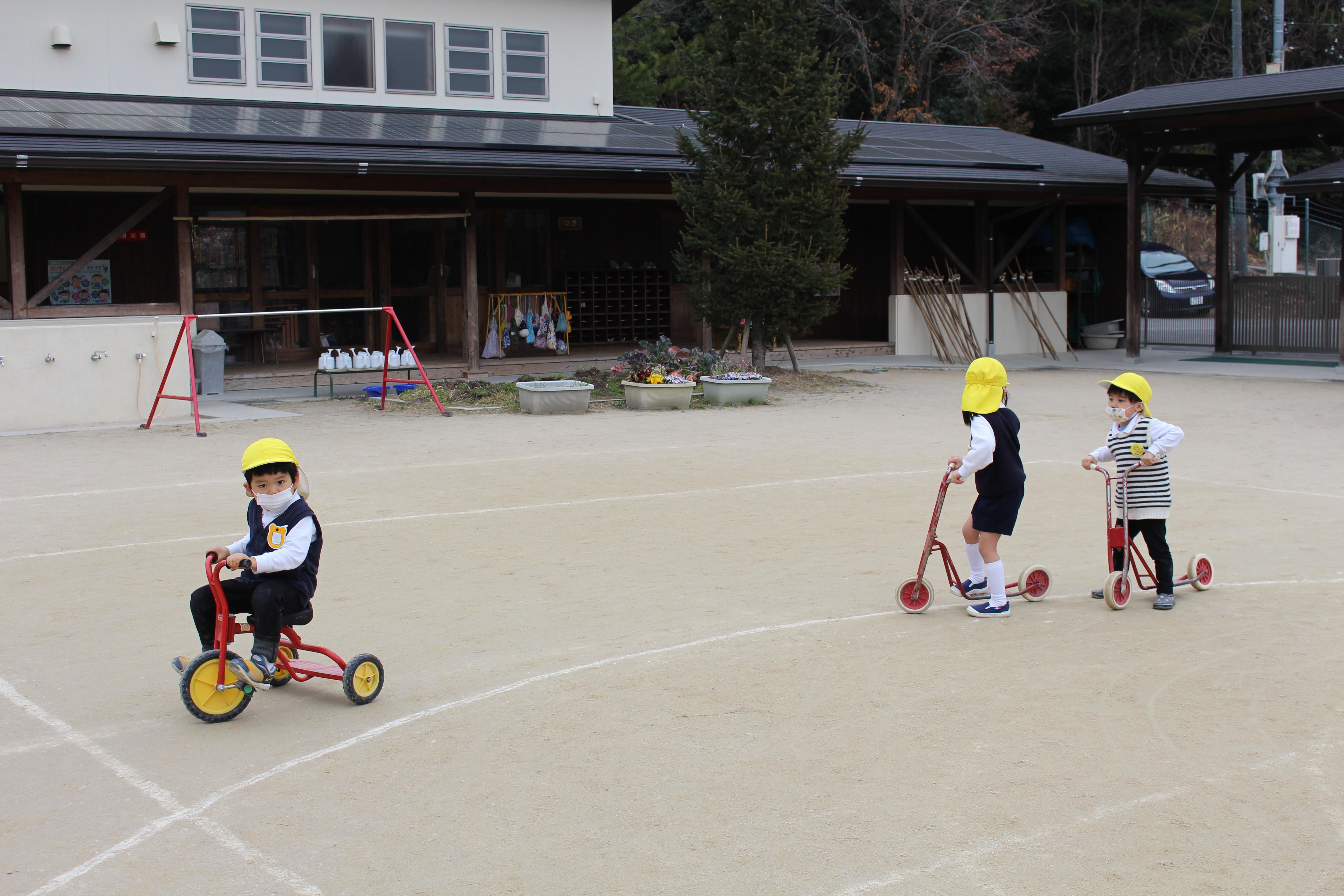 ◇年少◇三輪車、スクーターで遊んだよ!:画像6