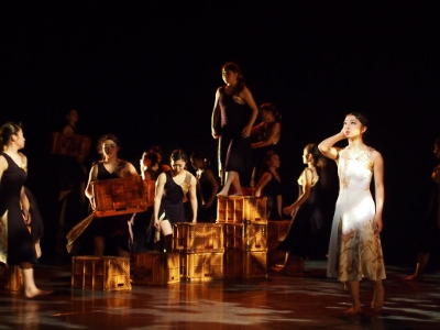 ダンス部 定期公演を開催