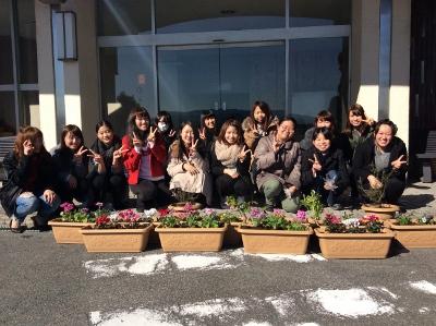 学生向上委員会 花を植える