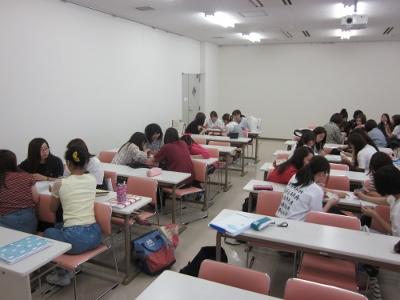 岡崎女子短期大学 幼児教育学科 授業紹介 『基礎演習』(1年生)