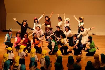 児童文化研究部が園児を招いて発表会を行いました:画像4