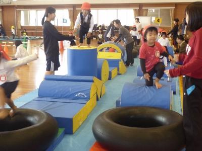 授業紹介ver.3 『幼児体育』-子どもたちと一緒に学びますー:画像1