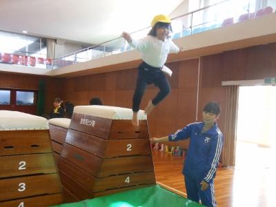 授業紹介ver.3 『幼児体育』-子どもたちと一緒に学びますー:画像3
