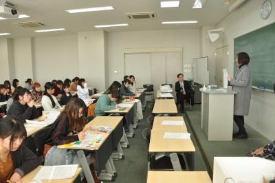 岡崎女子大学 授業紹介『地域貢献とボランティア』(1年生):画像2