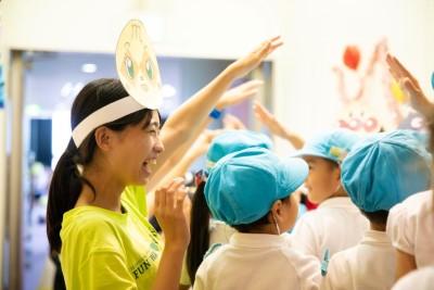 児童文化研究部「はとぽっぽ」が付属幼稚園児を招いて発表会を行いました:画像3