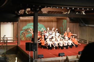ダンス部が岡崎城内にある能楽堂で踊りました。:画像4