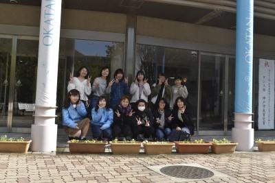 学生生活向上委員の皆さんが花を植えました。:画像3