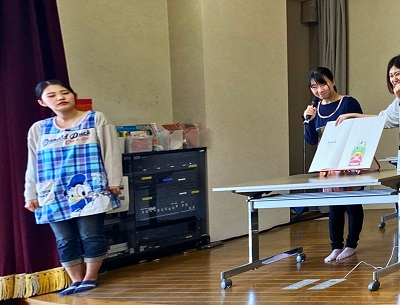 ボランティアサークル「ホビット」が読み聞かせ-第二藤花荘-:画像3