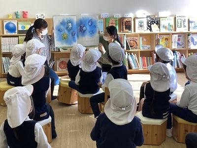 小原ゼミ・鈴木ゼミ 子ども図書室での実践―嫩幼稚園の子どもたちを招いて―